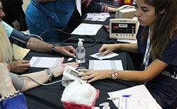 Día Mundial de la Hipertensión Arterial – Alumnas de Enfermería participaron de la jornada de prevención