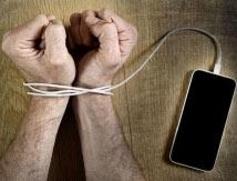 El celular, revisado más de 80 veces por día: ¿distracción o adicción?
