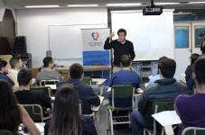 Ciclo de encuentros del Rector Facundo Manes con alumnos UF