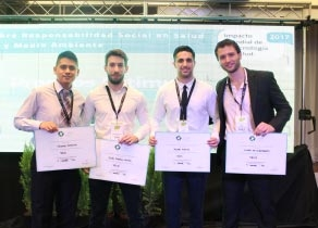 Alumnos del 6º año de Medicina premiados
