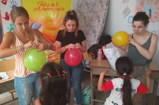 Alumnos de PsicologíayPsicopedagogíade Favaloro realizaron prácticas en la parroquia Caacupé